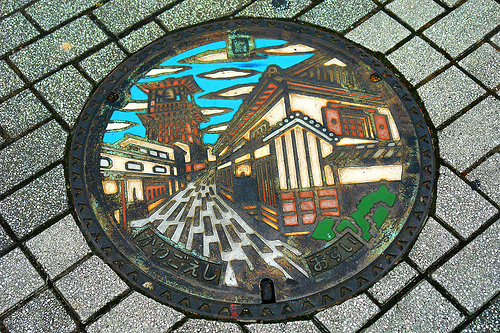 Kawagoe manhole cover by Compound Eye / flickr