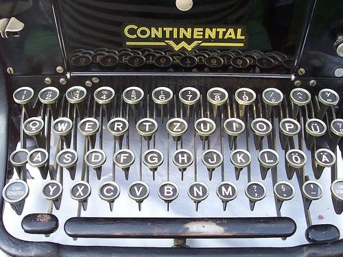 typewriter Valeriana Solaris